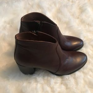 Frye Nora Brown Ankle Bootie